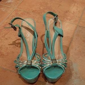 Aldo Turquoise Platform sandals